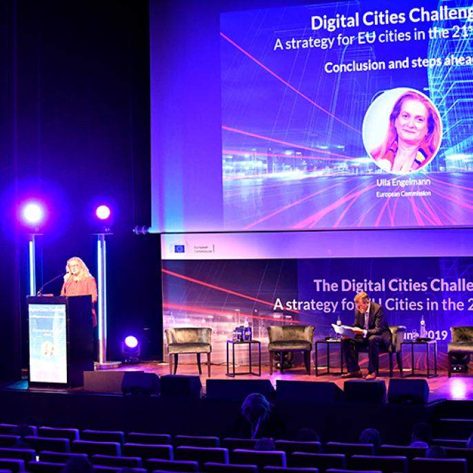 Ulla Engelmann, Head of Unit for Advanced Technologies, Clusters and Social Economy in the European Commission, brings the event to a close